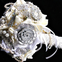 alternative wedding,  brooch  bouquet, bridal brooch bouquet,  bridesmaids bouquet, brooch  bouquet, jewelry bouquet