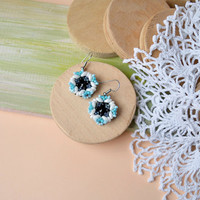 Winter snowflake earrings, elegant minimalist jewelry, beadwoven earrings, beadwork, beaded flower earrings, white black blue, holiday gift
