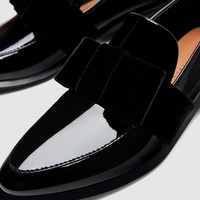 LOAFERS WITH VELVET BOW