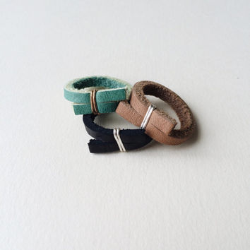 Thick leather ring for men or women, black, tan or green with gold or silver / minimalist, sinple, rustic, modern, unisex band