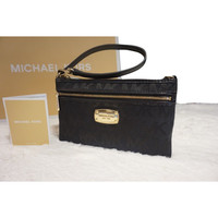 Michael Kors Jet Set Item Large Wristlet
