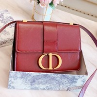 DIOR sells retro ladies casual one-shoulder bag with solid gold button flap