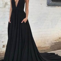 Black Backless V Neck Long Train Prom Dress