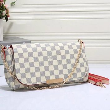 Louis Vuitton LV classic fashion ladies one-shoulder messenger bag chain bag cosmetic bag