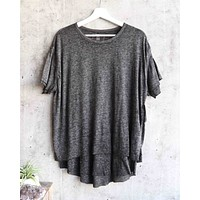 Free People - We The Free - Cloud 9 Frayed Hem Knit Tee in Carbon Charcoal