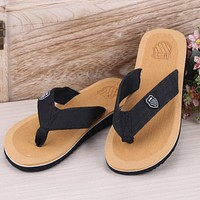 2017 Summer sandals and slippers for men and women flat slippers non-slip slippers Colorful beach sandals explosion