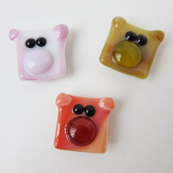 Pig Magnet Set - Piglet Set - Refigerator Magnets - Fridge Magnets - Glass Pigs - Fused Glass Magnets - Animal Lover Gift - Animal Magnets