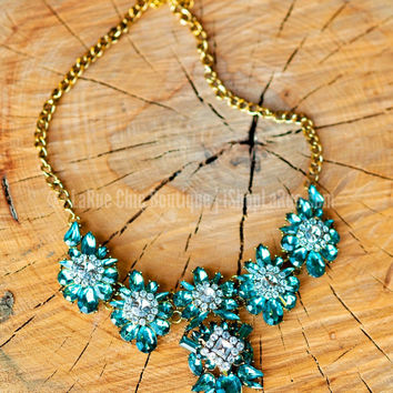 MERRY AND BRIGHT NECKLACE IN TEAL