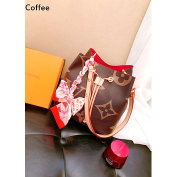 Louis Vuitton LV new women's classic old flower bucket bag Messenger bag coffee
