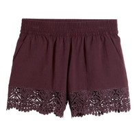 Cotton shorts with lace
