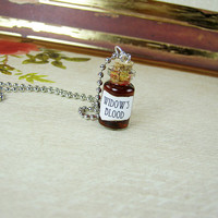Game of Thrones WIDOW'S BLOOD 1ml Glass Bottle Necklace - Glass Vial Pendant - Westeros Song of Ice & Fire Poison Charm