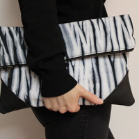 Oversized Foldover Clutch, Hand Dyed Purse, Black White Clutch, Shibori Handbag, Foldover Bag, Oversized Purse, Shibori Clutch, Tie Dye Bag