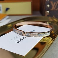 lv louis vuitton woman fashion accessories fine jewelry ring chain necklace earrings 108