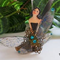 Fairy wings hair clip. Fake moss jewelry. Forest fairy. Nature inspired. Available in six colors