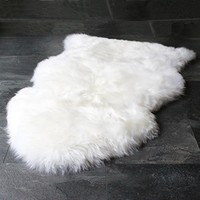 RUGLUSH TM Super Soft Sheepskin Rug – Excellent Quality Faux Fur Rug – Modern, Stylish Design – Used As An Area Rug Or Across Your Armchair – Back Lining Suede Fabric