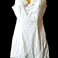 Full Slip Lace White Embroidered Roses Size Small