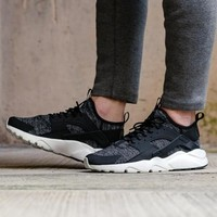 Nike Air Huarache Ultra Breathe Nike Wallace running shoes