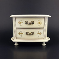 Musical Jewelry Box / Japan / Theme Song To Love Story / Cottage Chic