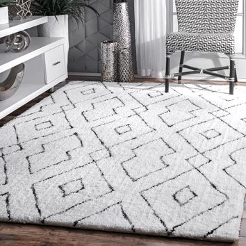 Hand Tufted Beaulah Shaggy Rug
