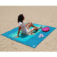 The Two-Person Sandless Beach Mat