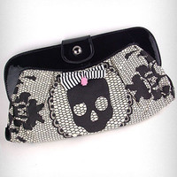 Lacey Days Skull Clutch   PLASTICLAND