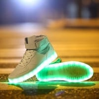 Fashion Lovers LED Night Light Couples Men Women Light Up Trainer Lace Up Shoes Sneakers [7641081990]