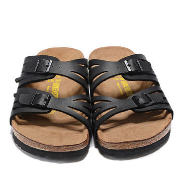 2017 fashion Birkenstock Summer Fashion Leather Cork Flats Beach Lovers Slippers Casual Sandals For Women black Couples Slippers size 36-41