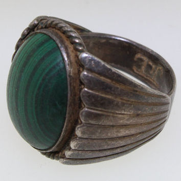 Gorgeous Vintage Etched 925 Sterling Silver and Malachite Men's Size 9 Ring