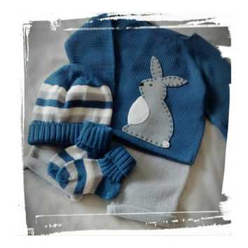 knitted baby set. Sweater, pants, hat and socks. Felt Rabbit. 100% merino. READY to SHIP size 1-3 months.