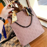 LV Louis Vuitton stylish new women's embossed lettering and scarf shopping bag