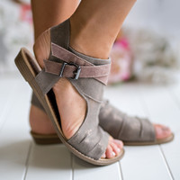 California Street Style Buckle Strap Detail Sandals (Taupe)