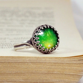 Antique Silver Crown Green Galaxy Ring, Adjustable Glass Dome Ring