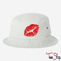 KISS LIPS EMBROIDERED BUCKET HAT