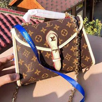 Louis Vuitton fashion hot men and women printed clamshell chain briefcase High quality