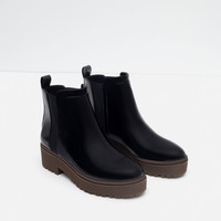 FLAT TRACK ANKLE BOOTS New