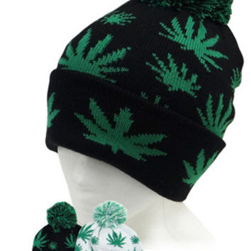* Marihuana Beanie with Ball In White