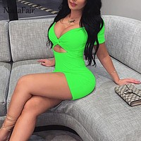 FSDA Vrouwen Sexy Neon Bodycon Dress Hollow Out 2019 Zomer Ruches Cross Diepe V-hals Solid Party Mini Jurken