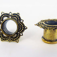 Pair ORNATE ANTIQUED BRASS GOLD GAUGES Plugs Tunnels Eyelets Tribal Lace Points