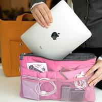 Travel Bag with Pockets for most iPads / Tablets