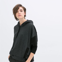 HOODED VELOUR CAPE WITH POCKETS