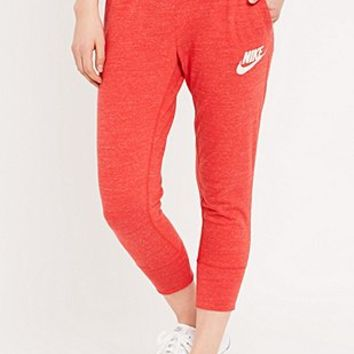 Nike Vintage Gym Capri Joggers in Red - Urban Outfitters
