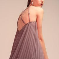 Backless Pleated Maxi Dress