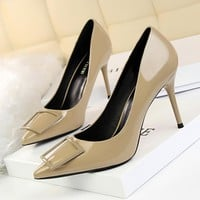 Women shoes Fashionable professional women's shoes with high heels