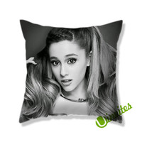 ariana grande  BW Square Pillow Cover