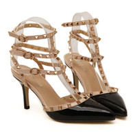 Rivet Multiple Buckle Pointed Chromatic Color Thin High Heel Sandals   black