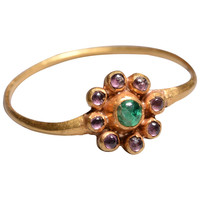 Jacobean Gold, Sapphire and Emerald Cluster Finger Ring, 17th Century
