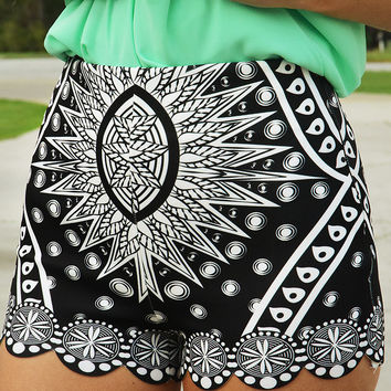 Now You See Me Shorts: Black/White