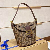 Fendi Medieval French fries bag personality versatile shoulder bag