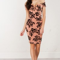 Detailed Off The Shoulder Midi Dress in Mauve