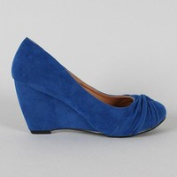 Metro-1 Suede Knotted Round Toe Wedge